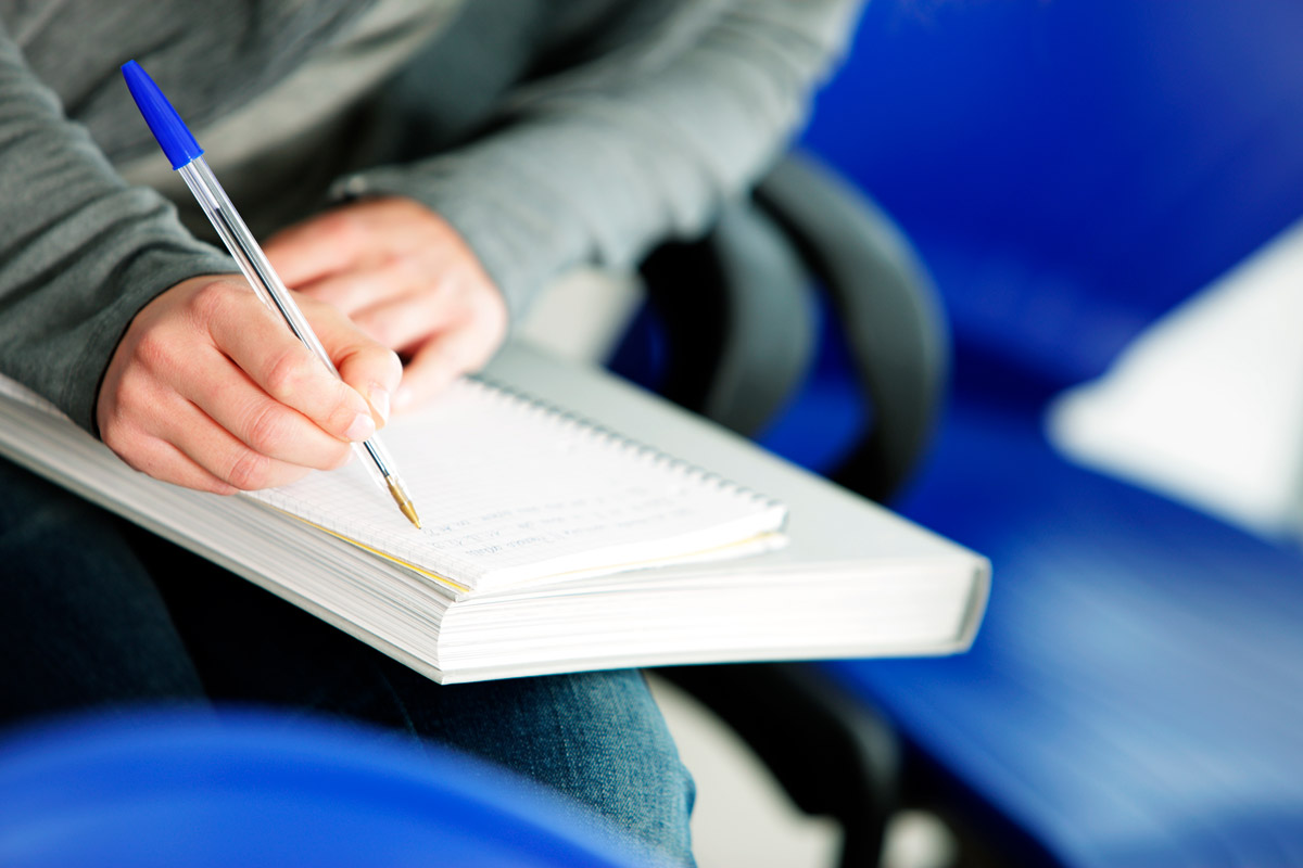 Las Titulaciones de Cambridge English son exámenes diseñados al detalle para aprender inglés de una forma efectiva, gratificante y entretenida.